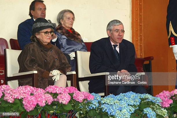 Bernadette Chirac and British Foreign Minister Jack Straw attend a display at the 'Cadre Noir' National Equestrian School during the Queen's threeday...