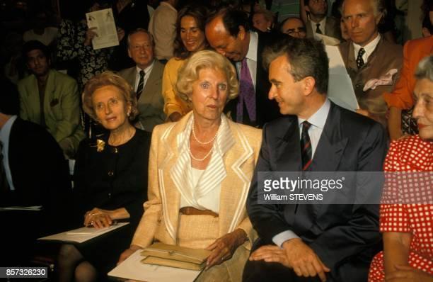 Bernadette Chirac, Claude Pompidou et Bernard Arnault au defile Dior haute couture le 27 juillet 1992 a Paris, France.