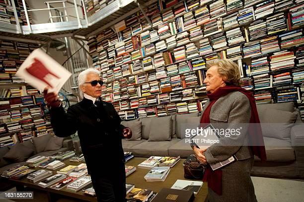 Bernadette Chirac Visits Karl Lagerfeld At Home In Paris Paris samedi 28 novembre 2009 Karl LAGERFELD reçoit son amie Bernadette CHIRAC venue lui...