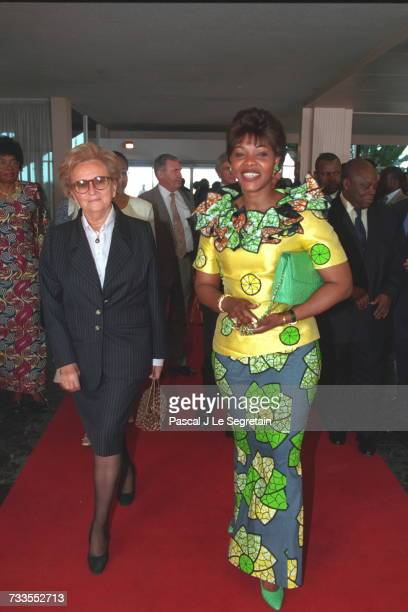 Bernadette Chirac with Edith Lucie Bongo upon her arrival in Libreville