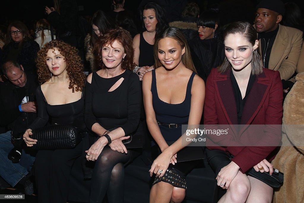 Donna Karan New York - Front Row - Mercedes-Benz Fashion Week Fall 2015 : News Photo