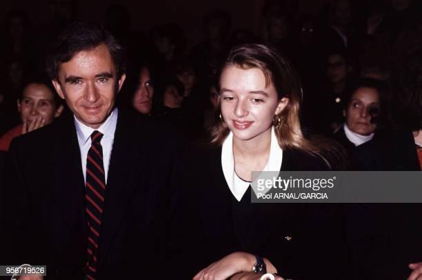 Bernard Arnault et sa fille Delphine au défilé de Christian Lacroix, Prêt-à-Porter, collection Printemps-été 1992 à Paris en octobre 1991, France.