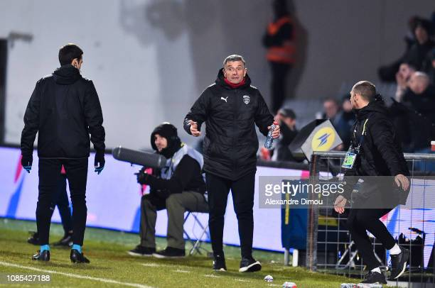 Bernard Blaquart head coach of Nimes forced out during the Ligue 1 match between Nimes and Toulouse at Stade des Costieres on January 19 2019 in...