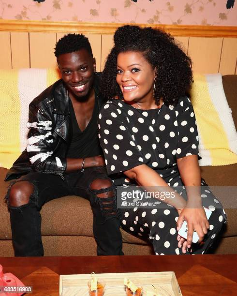 Bernard David Jones and Yvette Nicole Brown attends the Entertainment Weekly and PEOPLE Upfronts party presented by Netflix and Terra Chips at Second...