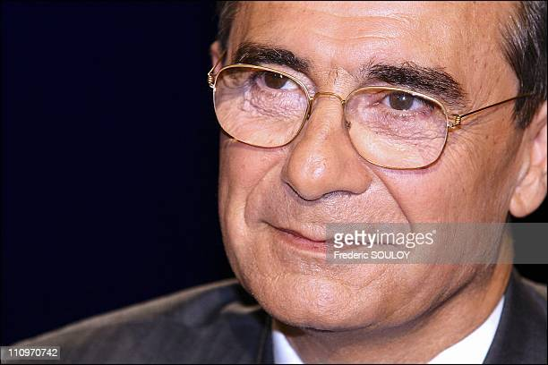 Bernard Debre on the tv talk show 'Campus' hosted by Guillaume Durand in Paris France on May 09 2004