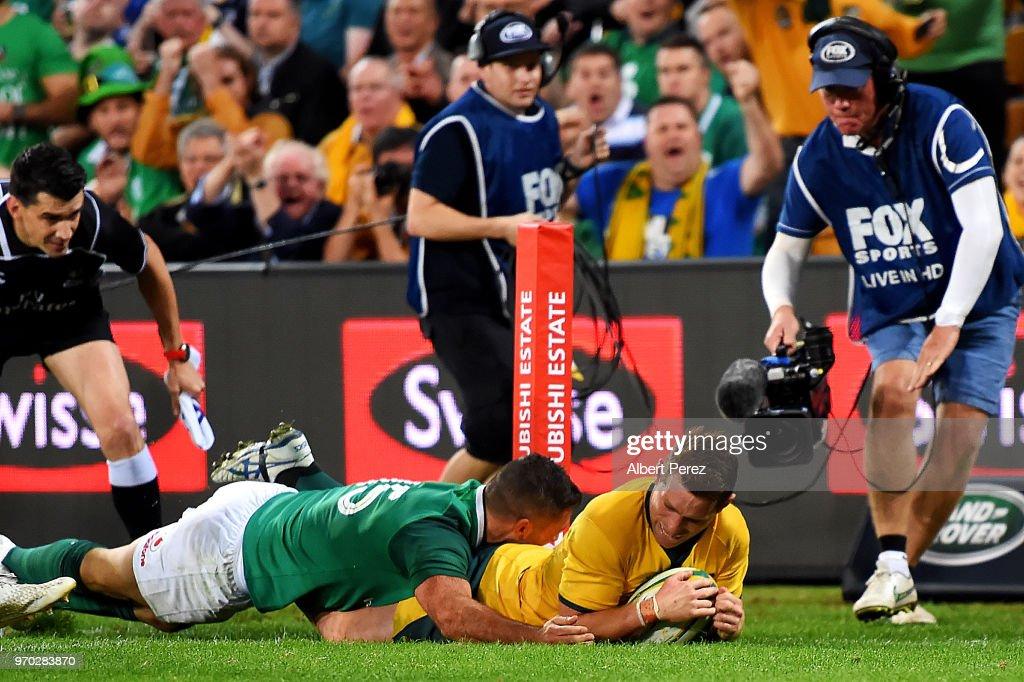 Australia v Ireland : News Photo