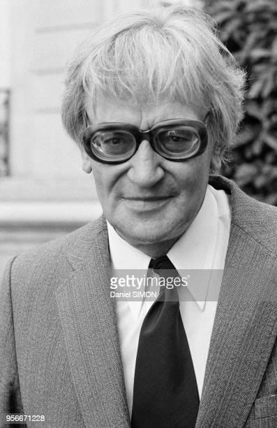 Bernard HenriLevy après un entretien avec le président Gicard d'Estaing à l'Elysée le 7 septembre 1978 Paris France