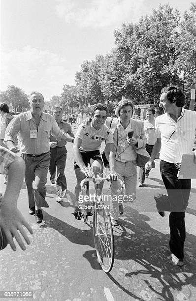 Bernard Hinault remporte le 75ème Tour de France à Paris France le 22 juillet 1978