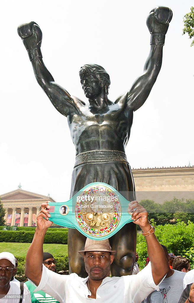 Philadelphia Mayor Michael Nutter Honors Bernard Hopkins : News Photo
