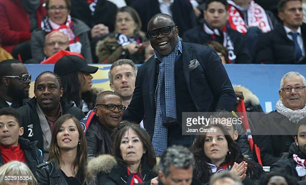 Bernard Lama Basile Boli attend the French League Cup final between Paris SaintGermain and Lille OSC at Stade de France on April 23 2016 in...