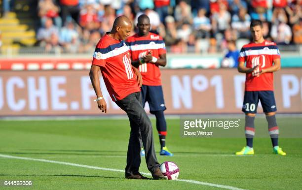 Bernard LAMA donne le coup d envoi Lille / Rennes 9e journee de Ligue 1 Photo Dave Winter / Icon Sport