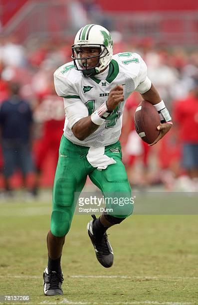 Bernard Morris of the Marshall Thundering Herd runs the ball during the game with the Houston Cougars at Robertson Stadium November 17, 2007 in...