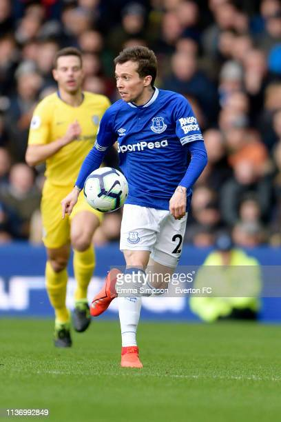 Bernard of Everton challenges on the ball during the Premier League match between Everton and Chelsea at Goodison Park on March 17 2019 in Liverpool...