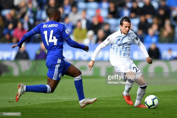 Bernard of Everton is challenged by Ricardo Pereira of Leicester City during the Premier League match between Leicester City and Everton FC at The...