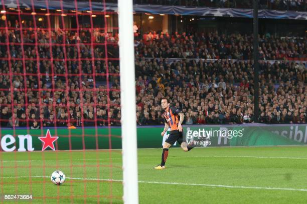 Bernard of FC Shakhtar Donetsk during the UEFA Champions League group F match between Feyenoord Rotterdam and Shakhtar Donetsk at the Kuip on October...