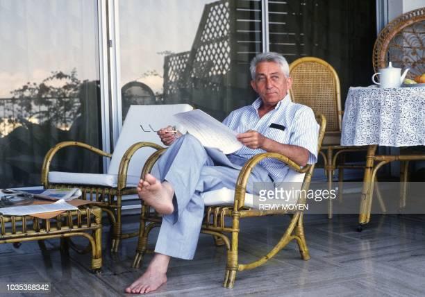 Bernard Pons un homme politique et médecin français né le 18 juillet 1926 à Béziers ministre RPR des DOMTOM et puis ministre de l'Aménagement du...