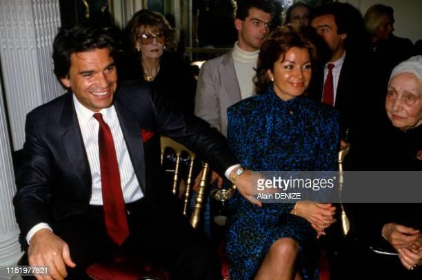 Bernard Tapie avec sa femme Dominique et Madame Grès lors d'un défilé de mode à MonteCarlo le 23 mars 1985 Monaco