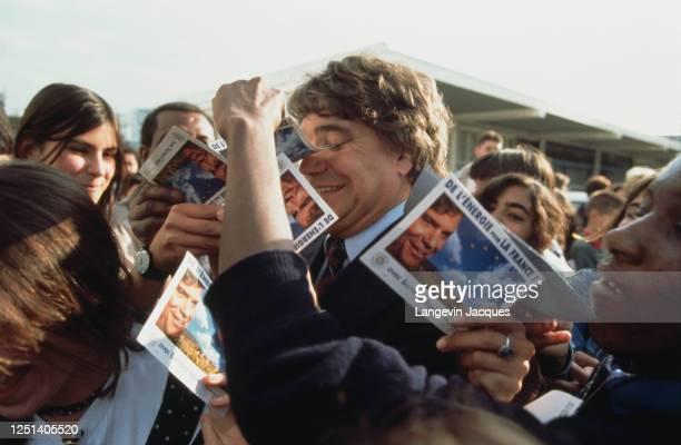 Bernard Tapie en campagne pour le MRG dans les Yvelines