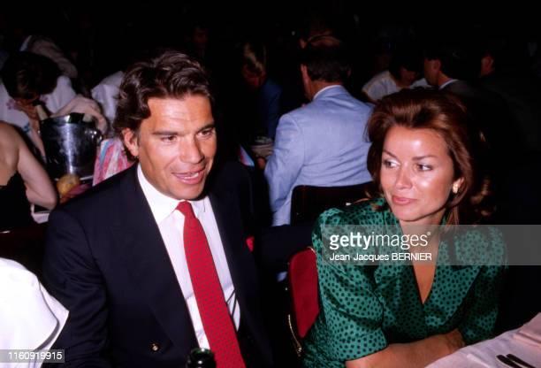 Bernard Tapie et sa femme dominique lors d'une soirée à Paris le 21 juillet 1985 France