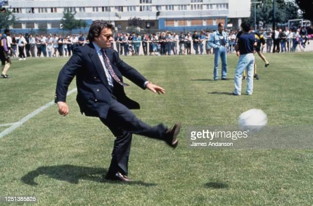 Bernard Tapie lors du match de l'équipe du Varieté Club de football