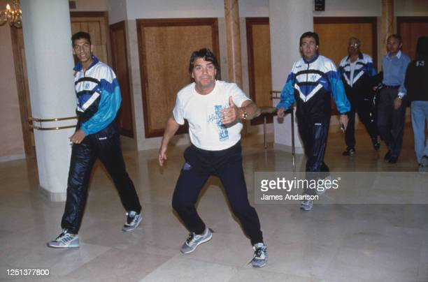 Bernard Tapie supporte son équipe avant la demie finale aller de la coupe d'Europe à Moscou opposant l'OM au Spartak Moscou
