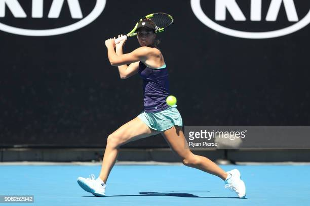Bernarda Pera of the United States plays a backhand in her second round match against Johanna Konta of Great Britain on day four of the 2018...