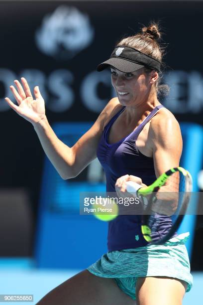Bernarda Pera of the United States plays a forehand in her second round match against Johanna Konta of Great Britain on day four of the 2018...