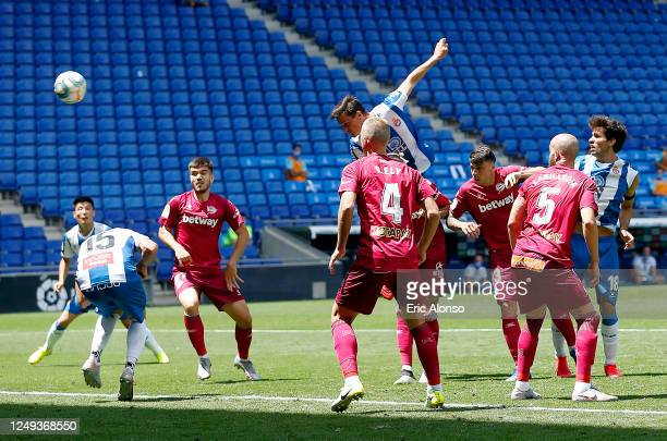 Bernardo Espinosa of RCD Espanyol scores his team's first goal during the La Liga match between RCD Espanyol and Deportivo Alaves at RCDE Stadium on...