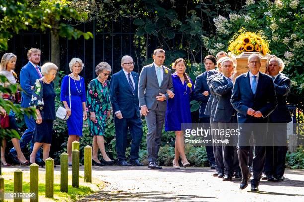 Bernardo Nicolas and Juliana Guillermo King WillemAlexander of The Netherlands Queen Maxima of The Netherlands Princess Beatrix of the Netherlands...