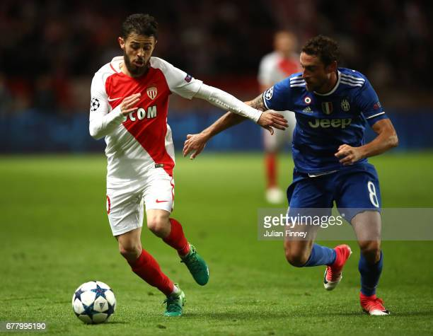 Bernardo Silva of AS Monaco and Claudio Marchisio of Juventus in action during the UEFA Champions League Semi Final first leg match between AS Monaco...