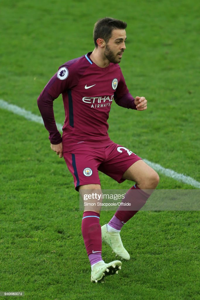 Bernardo Silva of Man City in action during the Premier League match between Everton and Manchester City at Goodison Park on March 31, 2018 in Liverpool, England.