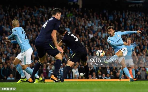 Bernardo Silva of Manchester City attempt on goal during the Premier League match between Manchester City and Everton at Etihad Stadium on August 21...