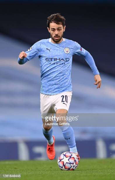 Bernardo Silva of Manchester City runs with the ball during the UEFA Champions League Group C stage match between Manchester City and FC Porto at...