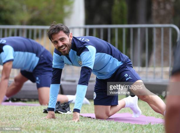 Bernardo Silva of Manchester City takes part in a stretching session in the build up to the UEFA Champions League Quarter Final match at the team...