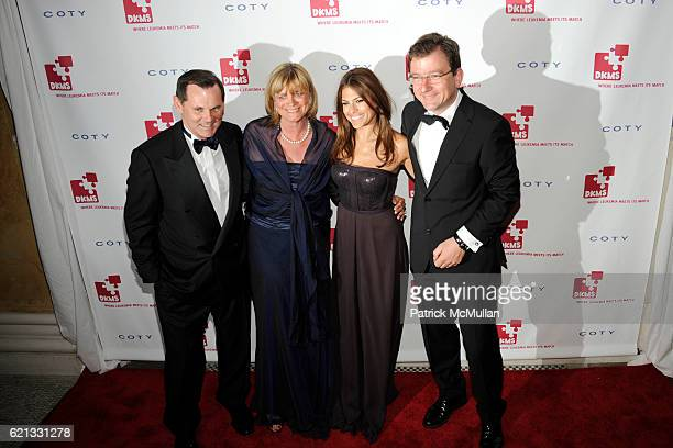 Bernd Beetz Claudia Rutt Eva Mendes and Steffen Seifarth attend The 2nd Annual DKMS Linked Against Leukemia Gala at Capitale on May 7 2008 in New...