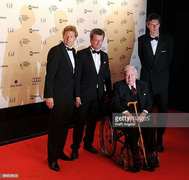 Bernd Buchholz Thomas Osterkorn Helmut Schmidt and Andreas Petzold attend the HenriNannenAward at the Schauspielhaus on May 7 2010 in Hamburg Germany