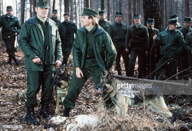Bernd Schadewald / Nach einem authentischen Fall aus dem Jahre 1984/85 aus dem Raum Stuttgart: / Ein Polizist, der sich wegen eines Hausbaus...