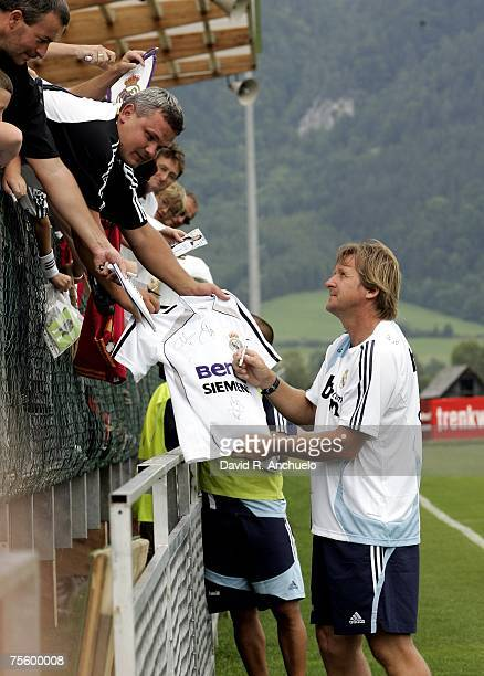 Bernd Schuster signs autographs during a training session on July 23 2007 in Irdning Austria