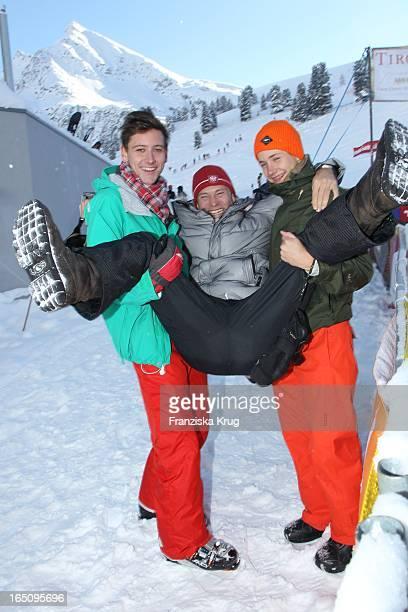 Bernhard Bettermann Und Söhne Tim Und Luca Beim 2. Promi Schlittenhunderennen Tirol Cross Mountain In Kühtai .