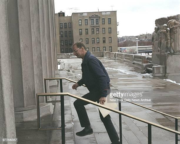 Bernhard Goetz on his way into the Bronx Court House