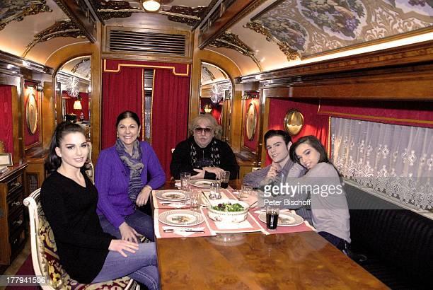 Bernhard Paul Ehefrau Eliana Paul Sohn Adrian Töchter Vivien und Lilian Rose Bremen Deutschland Europa Wohnwagen Homestory Tochter Bruder Schwester...