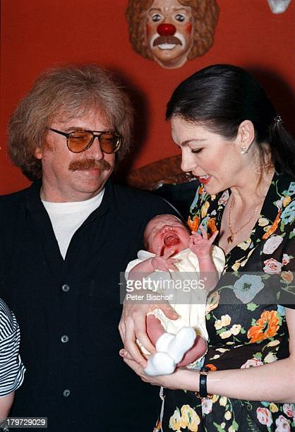 Bernhard Paul mit Ehefrau Eliana Paul undTochter Lilian Homestory Köln