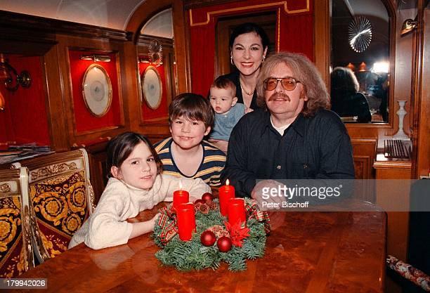 Bernhard Paul mitEhefrau Eliana Paul Tochter Vivien SohnAdrian Tochter Lilian HomestoryAdvent Weihnachten Wohnwagen