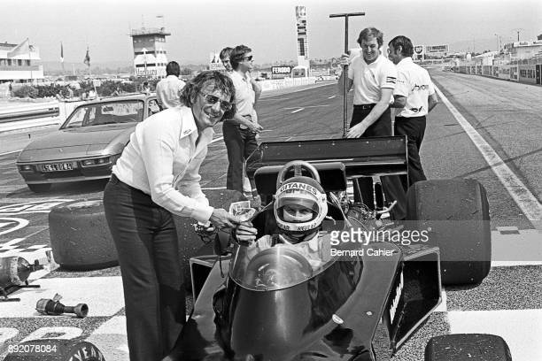 Bernie Ecclestone JeanPierre Jarier ShadowFord DN5B OR ShadowFord DN8 Grand Prix of France Circuit Paul Ricard 04 July 1976 Bernie Ecclestone making...