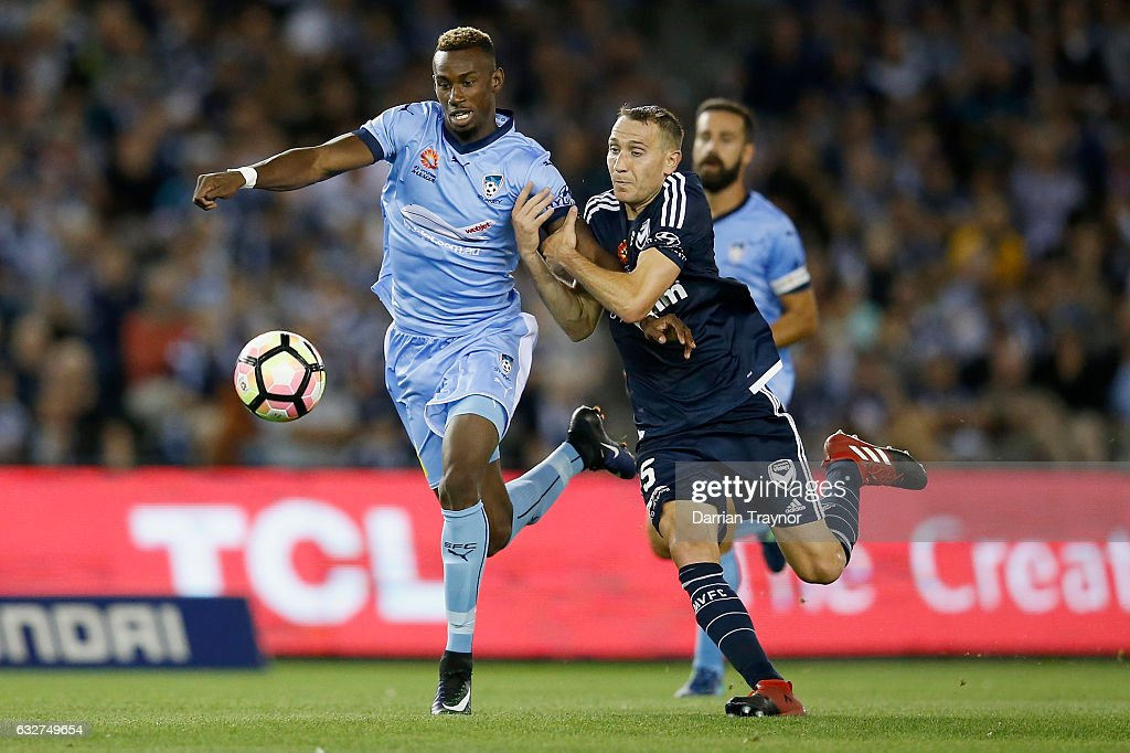 Bernie Ibini-Isei of Sydney FC controls the ball during the round 17 A-League match between the Melbourne Victory and Sydney FC at Etihad Stadium on January 26, 2017 in Melbourne, Australia.