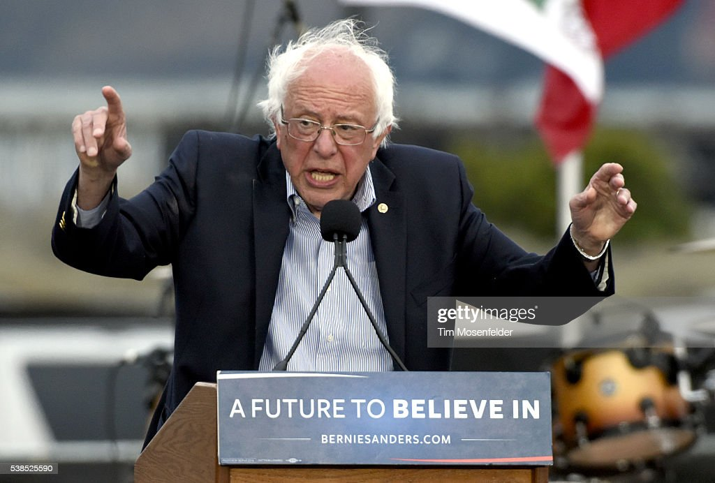 Bernie Sanders A Future To Believe In San Francisco GOTV Concert : News Photo
