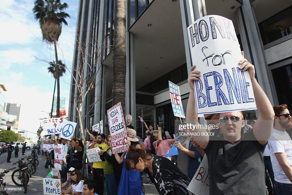 US-POLITICS-ELECTION-SANDERS-CNN : News Photo