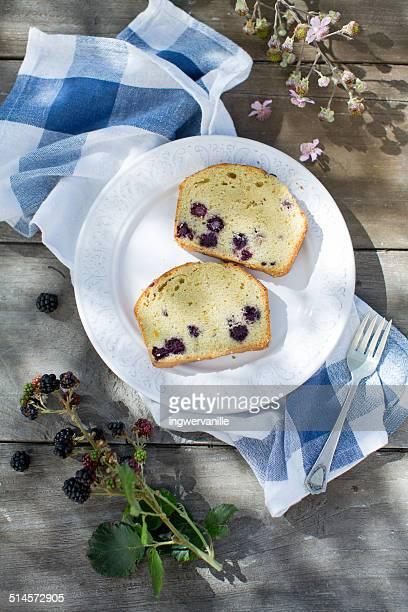 Berries pound cake