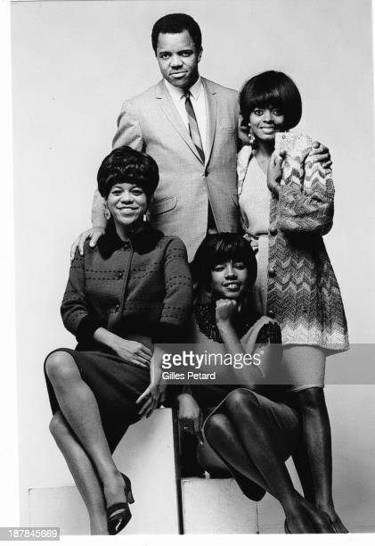 Berry Gordy Jr and the Supremes studio portrait USA Clockwise from top Berry Gordy Diana Ross Mary Wilson Florence Ballard