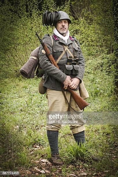 Bersaglieri sergeant 1940 Second World War 20th century Historical reenactment
